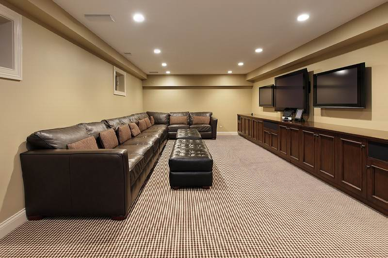 Basement carpet ideas that save you time and money for Best carpet for basement family room